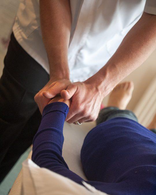 Waarom wordt chiropractie steeds populairder?